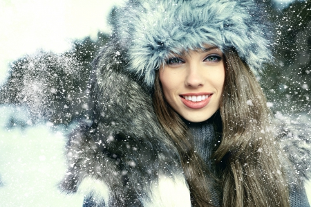 pretty woman for winter
