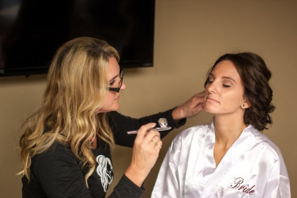 airbrush-makeup-in-brainerd-mn-with-bride-at-grandview-lodge